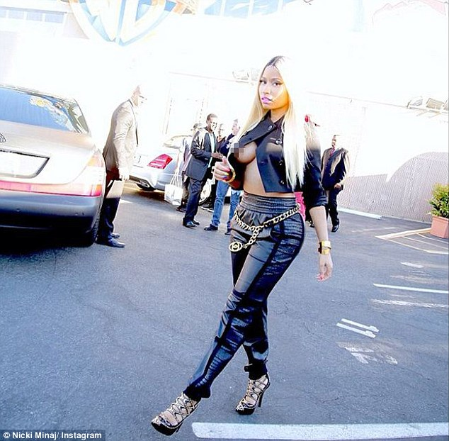Nicki Minaj Suffers A Nip Slip After Refusing Bra Offer From Ellen DeGeneres