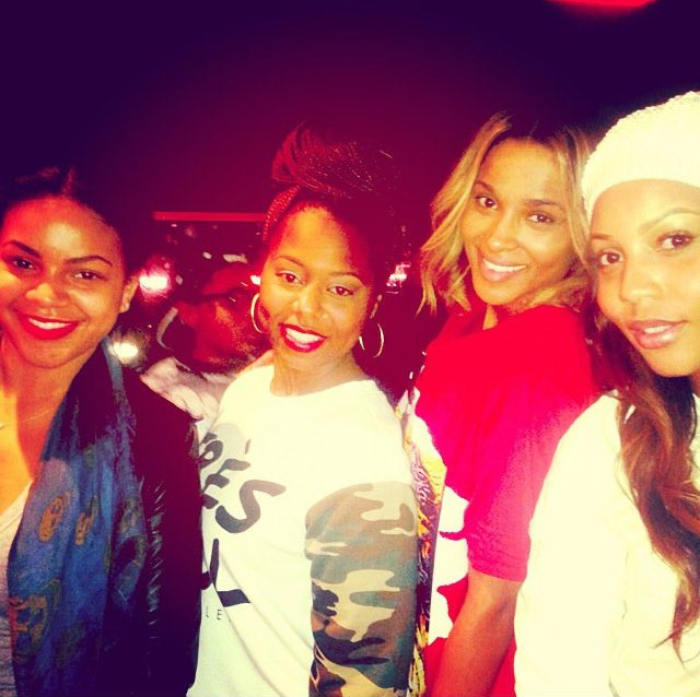 Ciara Hangs Out With Future's Baby Mamas Backstage At His Concert