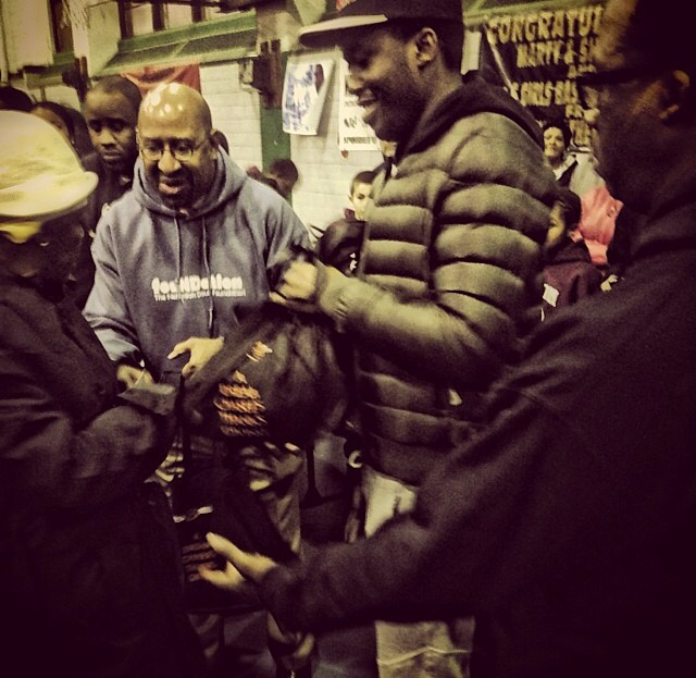 A Dreamchasers Thanksgiving: Meek Mill Hands Out Over 600 Turkeys To Less Fortunate Families In North Philly