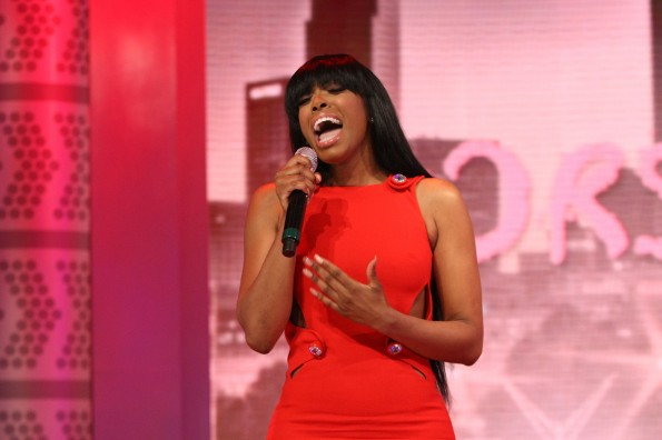 "Watch: Porsha Williams Performs ""Flatline"" On 106 & Park For The First Time And Throws Shade At Kenya Moore"