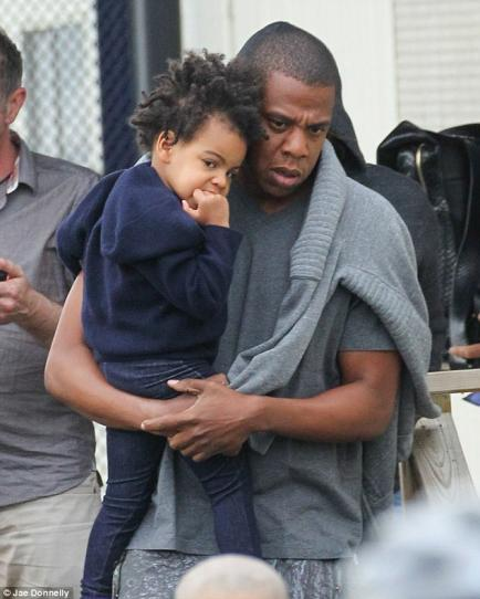 Petition Demands Beyonce To Comb Blue Ivy's Hair: Black Twitter Goes In