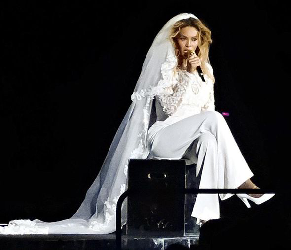 Watch Video: Beyonce Wears Wedding Gown And Sings About Jay-Z Cheating During On The Run Tour Ohio