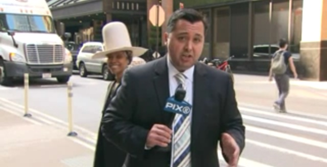 News Reporter Shoves Erykah Badu After She Tries To Kiss Him On Live Television