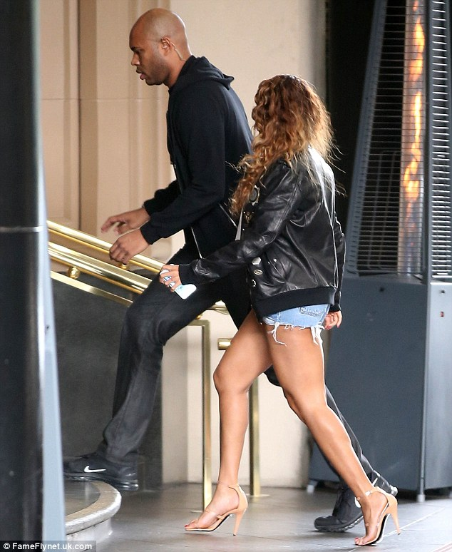 1415746254288_Image_galleryImage_Picture_Shows_Beyonce_Kno
