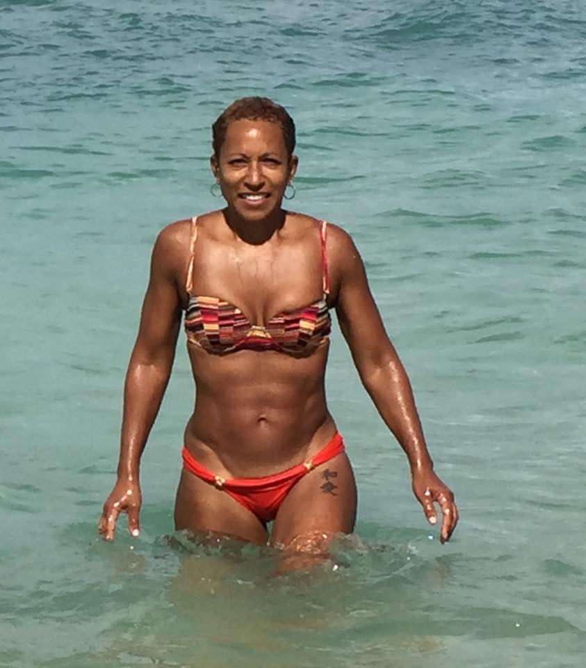 Abs On Fleek! Jada Pinkett Smith's 61 Year Old Mother Adrienne Is Hot