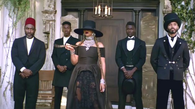 020816-b-real-style-beauty-beyonce-formation-music-video-still-9