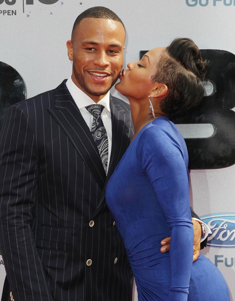 """Meagan Good And Her Husband DeVon Franklin Offers Relationship Guidance In New Book """"The Wait"""""""