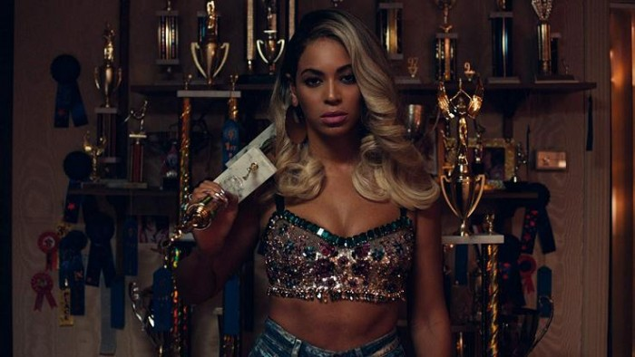 """Beyonce Says Trophy's Are A Representation Of All The Sacrifices She Made As A Kid: """"And I Just Wanna Blow That Sh-t Up!"""""""