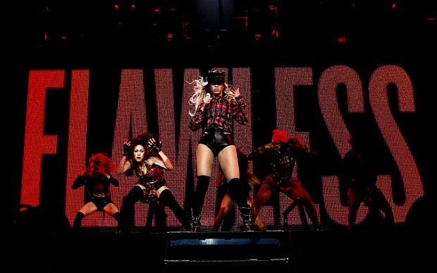 Watch Videos: Beyonce Brings New Looks And Performances To Mrs. Carter World Tour In Glasgow