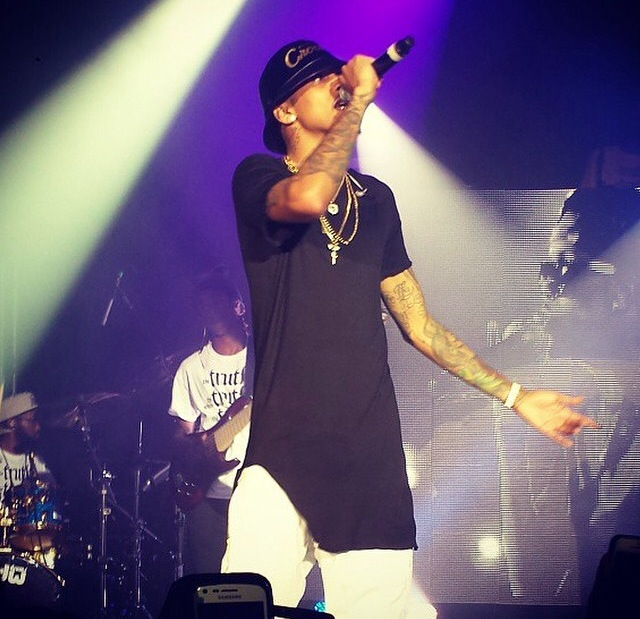 Watch! An Unconscious August Alsina Falls Off Stage During